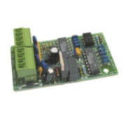FOC-810   EL-ISOL es un dispositivo aislador que se debe utilizar al conectar equipos externos a las salidas RS232 del Panel de control de luz de emergencia FOC-798 (EL-2), para evitar fugas a tierra.