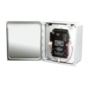 OPTEX-108 | Kit de sistema de detección de intrusión perimetral por fibra óptica para vallado. Compuesto por una controladora de dos zonas de hasta 200 metros de detección mediante fibra óptica (se vende por separado), una caja de montaje estanca IP66 de policarbonato con tamper sabotaje y software de programación. Alimentado por PoE/PoE+.