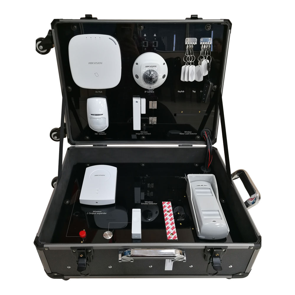 HIK-139 | Kit AXHub de HIKVISION compuesto por: 1x Panel de control de 32 zonas vía radio DS-PWA32-HGR de la serie AX (incorpora modulo comunicación 3G/4G), 1x detector de PIR vía radio DS-PD2-P10P-W, 1x contacto magnético vía radio HIK-137 (DS-PD1-MC-WWS), 1 tag de proximidad PYRO-71 (DS-PTS-MF), 1x Teclado vía radio HIK-133 (DS-PKA-KLM), x1 Pulsador vía radio HIK-138 (DS-PKFE-5), x1 Pulsador vía radio DS-PKFS-4, 1x Expansor vía radio de 8 salidas HIK-136 (DS-PM-WO8), 1x Expansor vía radio HIK-134 (DS-PM-WI1), 1x Lector de tags HIK-132 (DS-PTA-WL-868), 1x Sirena de exterior HIK-140 (DS-PSG-WO-868), 1x Sirena de interior HIK-141 (DS-PSG-WI-868), 1x Domo fijo IP WiFi HIKVISION antivandálico para exterior DS-2CD2523G0-IS.