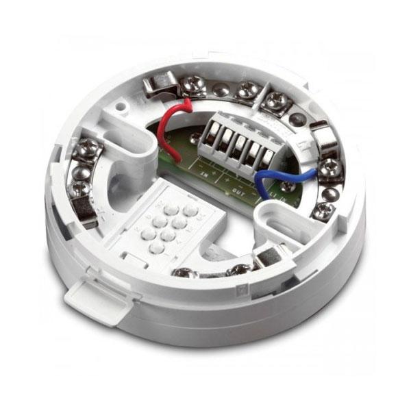 FOC-389 | Base di montaggio con isolatore di cortocircuito per rilevatori XP95