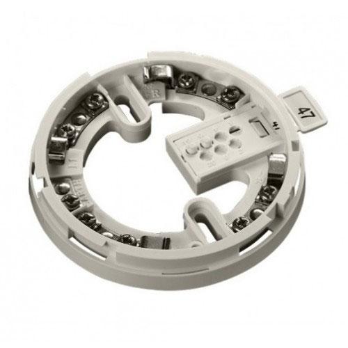 FOC-499 | Base para detectores Discovery Marine de Apollo. Policarbonato blanco, tornillos y conexiones de acero inoxidable. Con conexión para indicador remoto. Incluye tarjeta de direccionamiento XPERT®.
